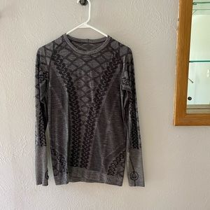 Lululemon cable crew neck
